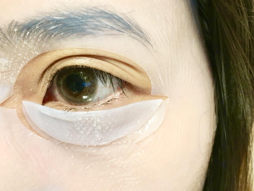 エイジングラボルテモイスチャーシートマスクを顔に貼ったところ