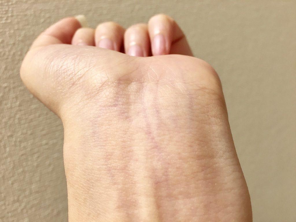 手首の血管が紫色だからブルベ