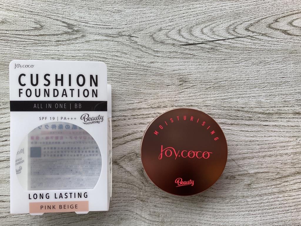 ジョイココBBクッションファンデーションの外箱と現品